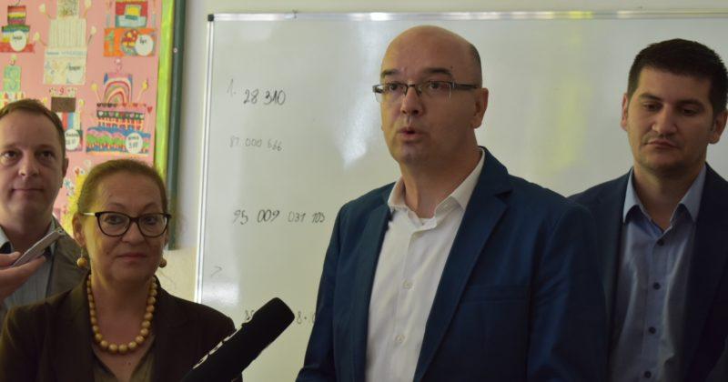 Градоначелник Бане Спасовић са сарадницима обишао је нашу школу